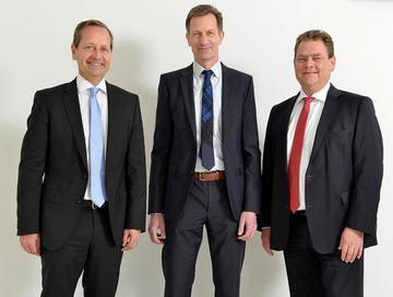 Dr. Frank Götzelmann (Sprecher der Geschäftsführung Tyczka Gruppe, Stefan Hübner (Geschäftsführer Tyczka Energy), Ralf Bursch (Geschäftsführer Tyczka GmbH9